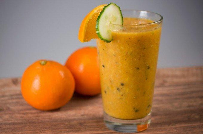 Exotischer Papaya-Orangen-Fitnessdrink