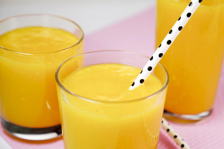 detox smoothie mit orange mango und ingwer. Black Bedroom Furniture Sets. Home Design Ideas
