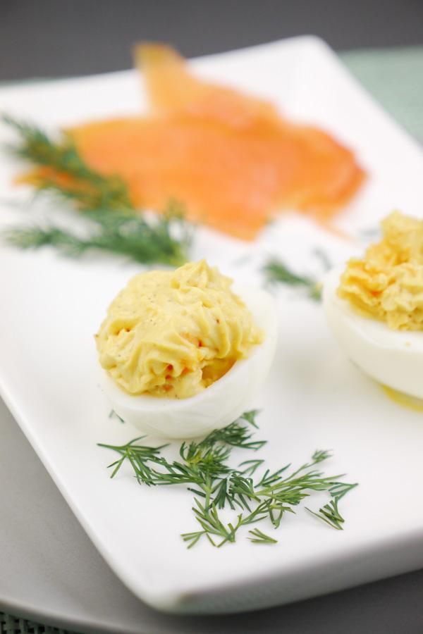 Rezept für gefüllte Eier mit Lachs und Dill