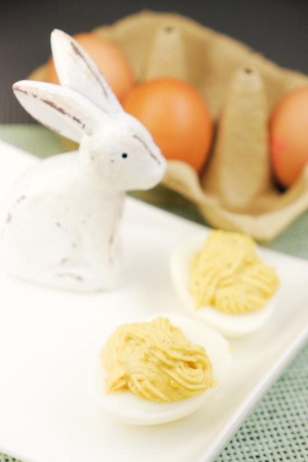 Rezept für klassische gefüllte Eier für den Osterbrunch