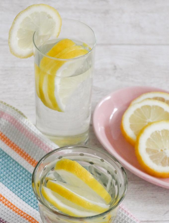 Heiße Zitrone mit Honig