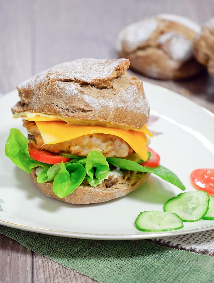 Klassischer Chickenburger