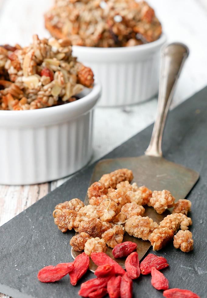 Gesunde Kekse mit Maulbeeren und Gojibeeren