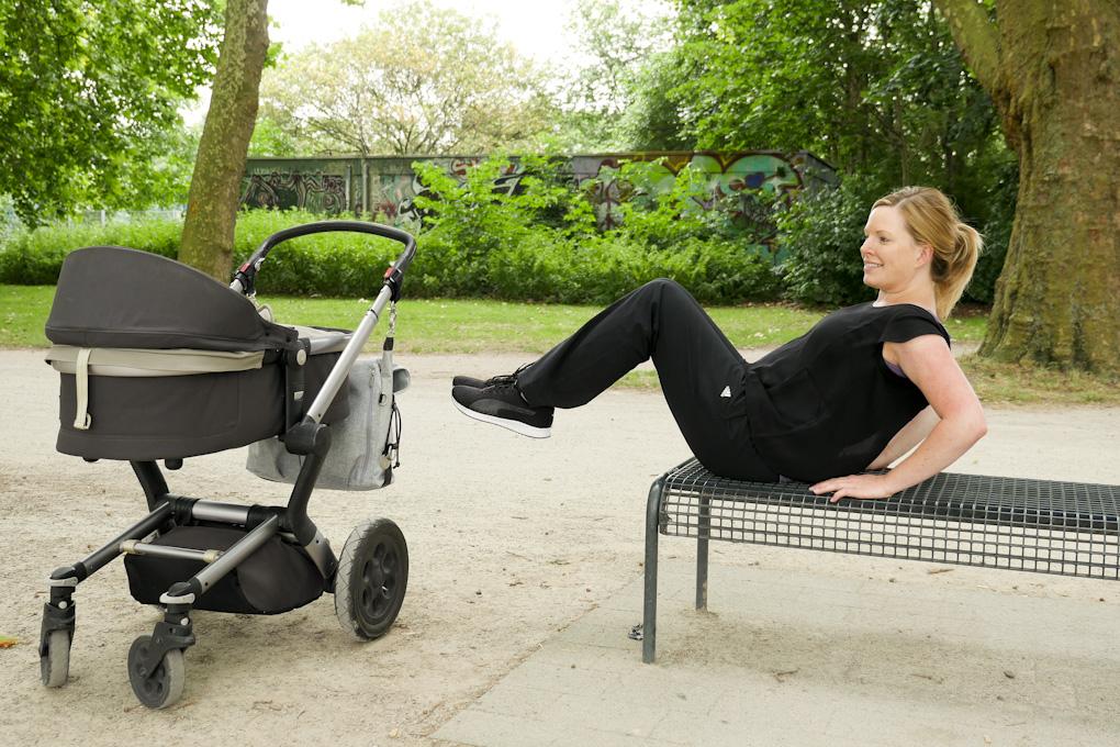 Sportübungen mit Kinderwagen