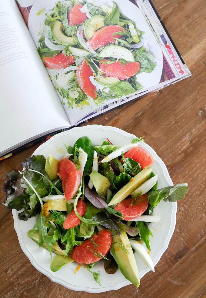 Paleo-Salat mit Grapefruit