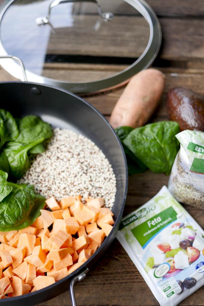 One Pot Quinoa mit buntem Gemüse und Feta