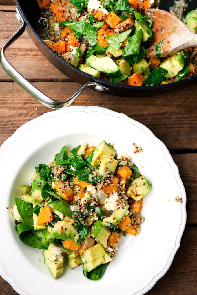 Rezept für vegetarisches One Pot Quinoa mit Spinat und Süßkartoffeln