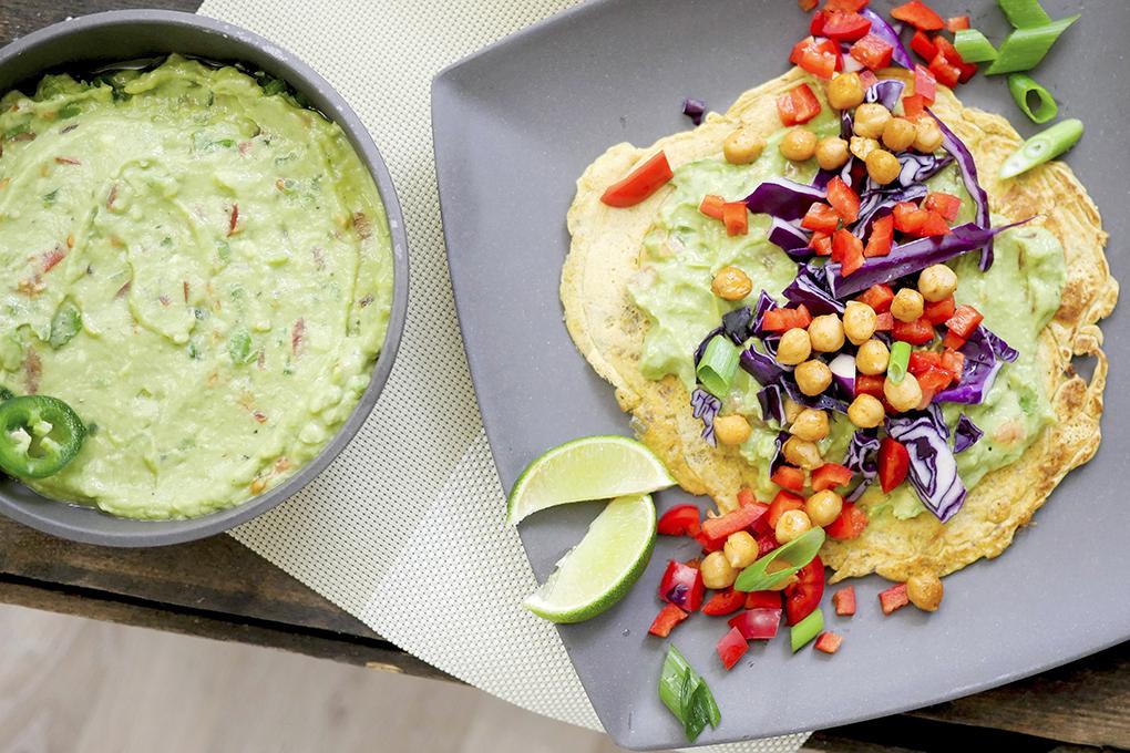 Wraps aus Kichererbsenmehl mit Avocado-Dip