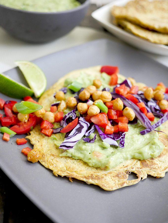 Kichererbsenmehl-Wraps mit Guacamole
