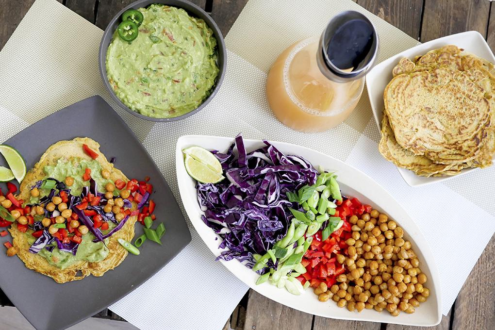 Fingerfood - Kichererbsenmehl-Wraps mit Guacamole
