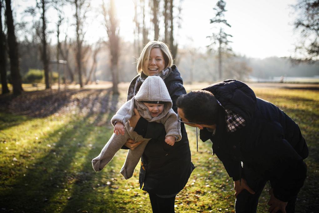 Familienshooting Köln mit Baby im Beethovenpark - Laura Kirst