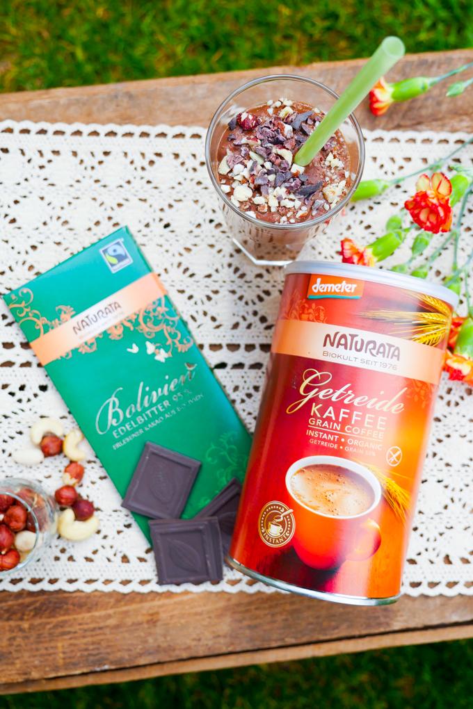 Kaffee-Smoothie mit Naturata-Produkten
