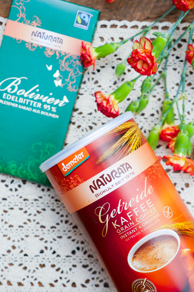 Naturata Getreidekaffee und Edelbitter-Schokolade