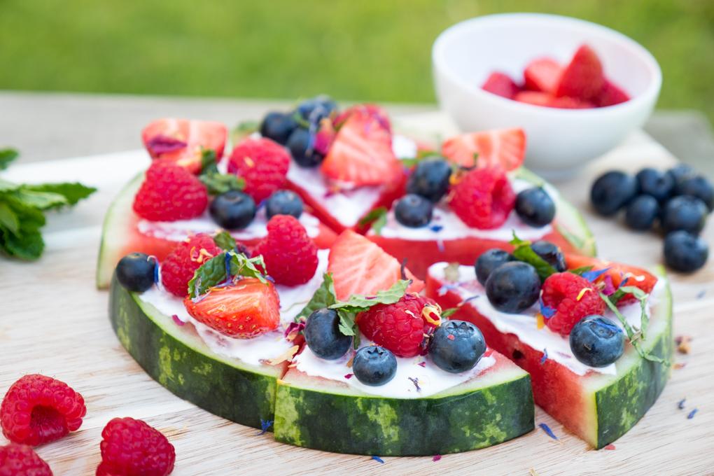 Rezept für Wassermelonen-Pizza mit griechischem Yoghurt