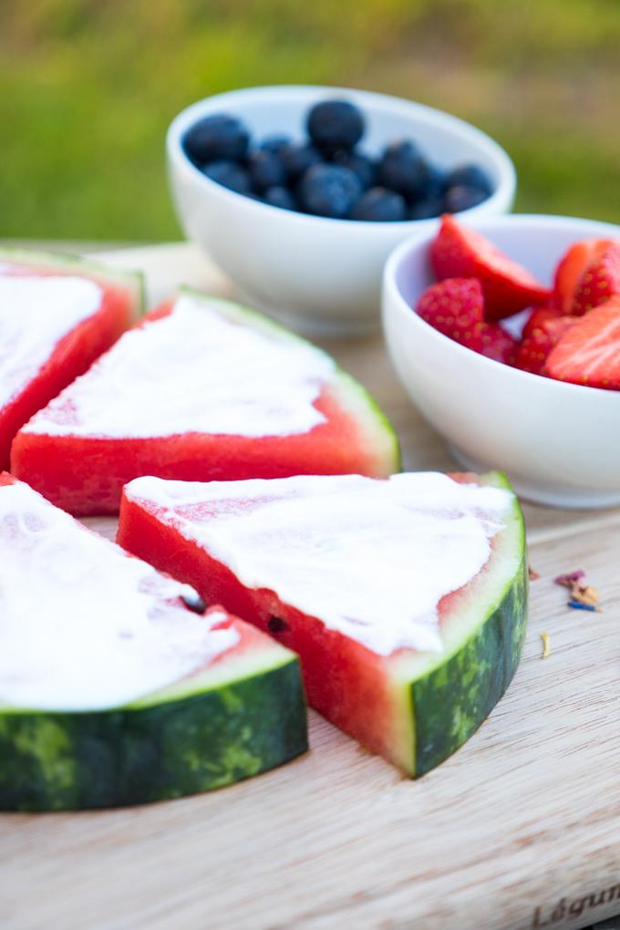 Wassermelone mit griechischem Yoghurt
