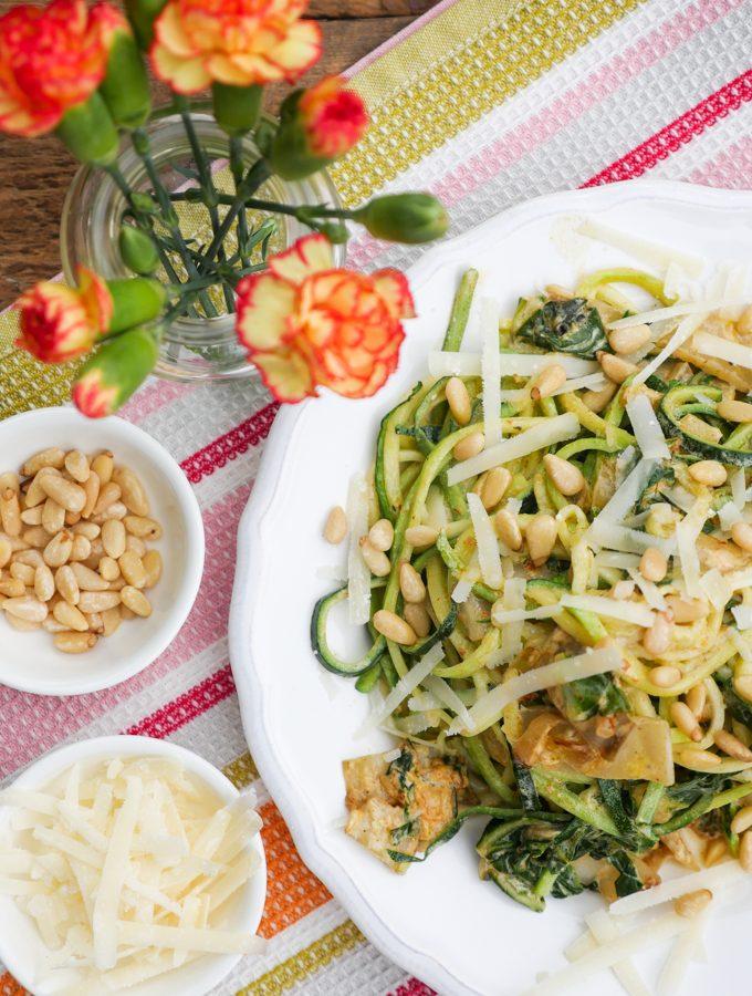 Low Carb Zucchininudeln mit Mangold
