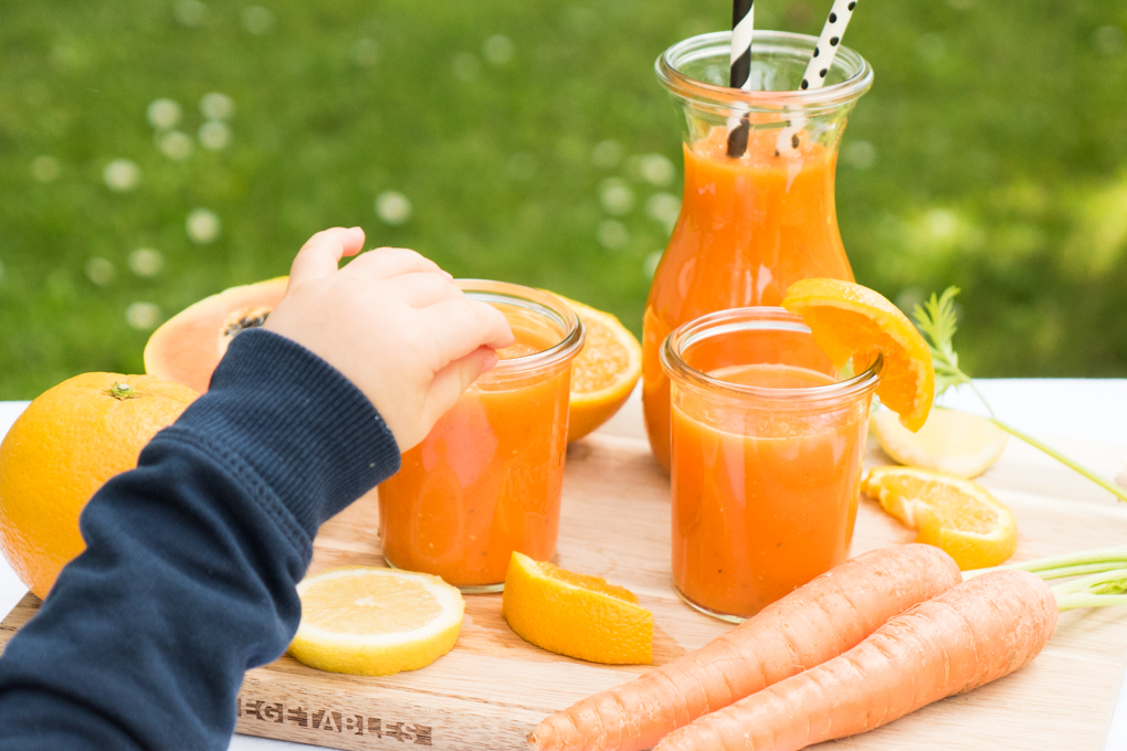 Erfrischender Orangen-Möhren-Smoothie