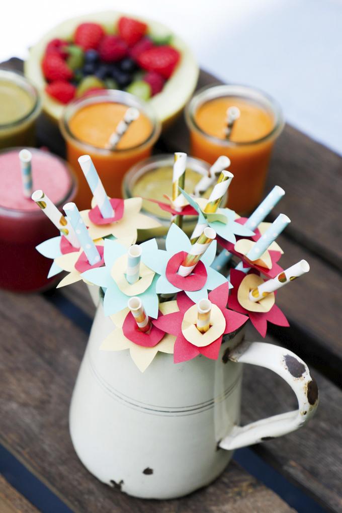 DIY-Blumen für Sommerdrinks