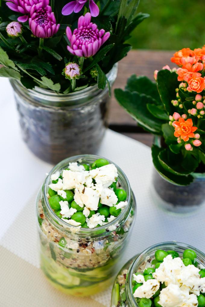 Quinoasalat mit Zoodles und Avocadodressing