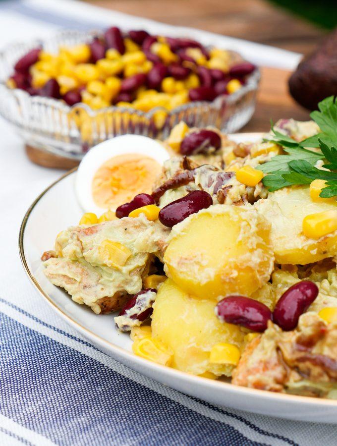 Kartoffelsalat mit Hähnchen und Avocadodressing