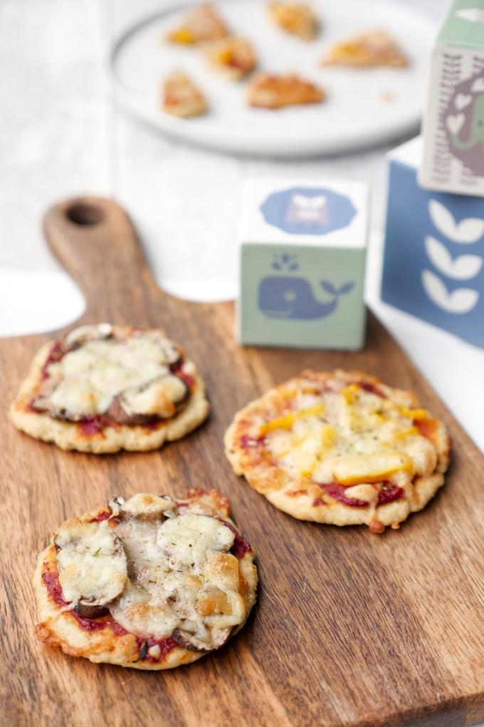 Gesunde und leckere Babypizza aus Magerquark, Dinkelmehl und Öl