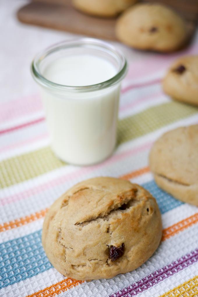 Gesunde Brötchen für Kinder mit Apfelmark, Dinkelmehl und Milch