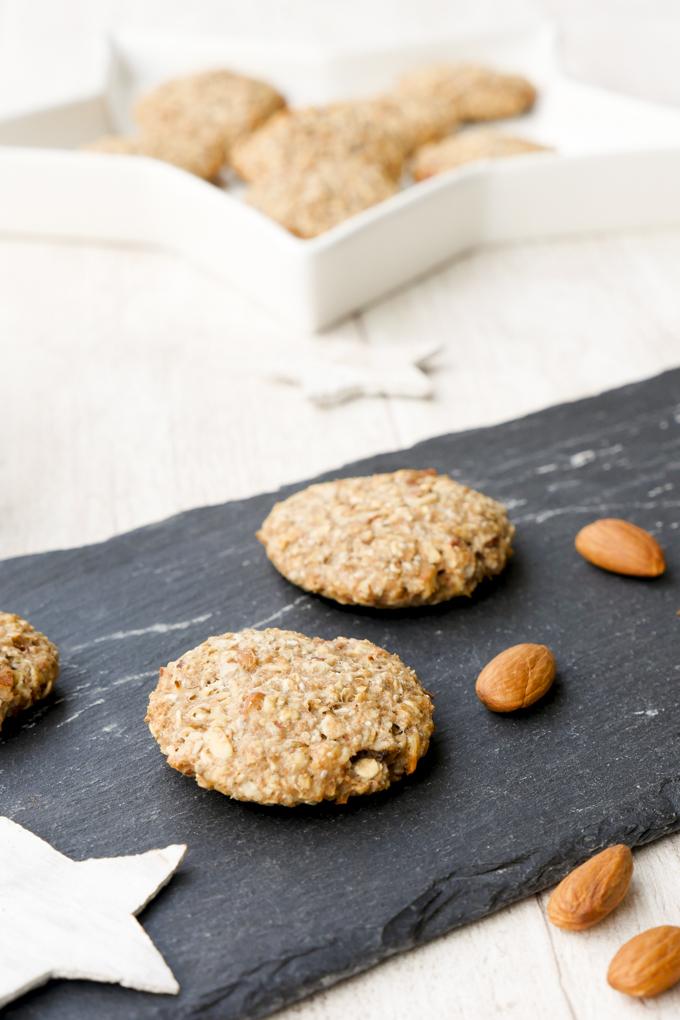 Gesunde Kekse für Kinder aus Dinkelvollkornmehl, Haferflocken, Mandeln und Ahornsirup