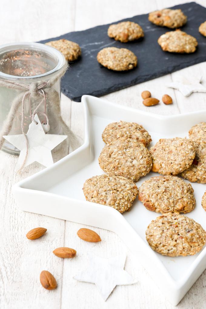 Leckere und gesunde Kekse mit Mandeln, Ahornsirup und Haferflocken - leckere Kekse für Kinder