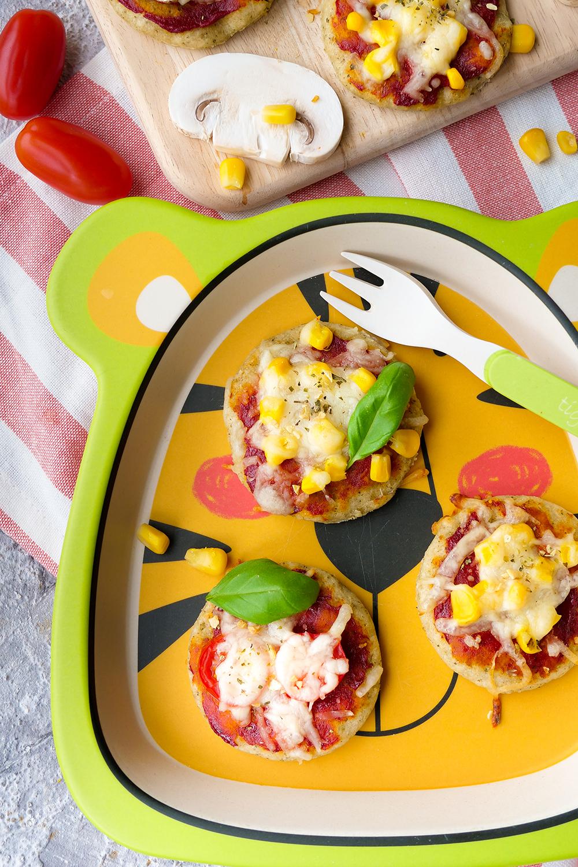 Gesunde Pizza für Babys + Kinder - Kinderpizza mit Quark-Öl-Teig