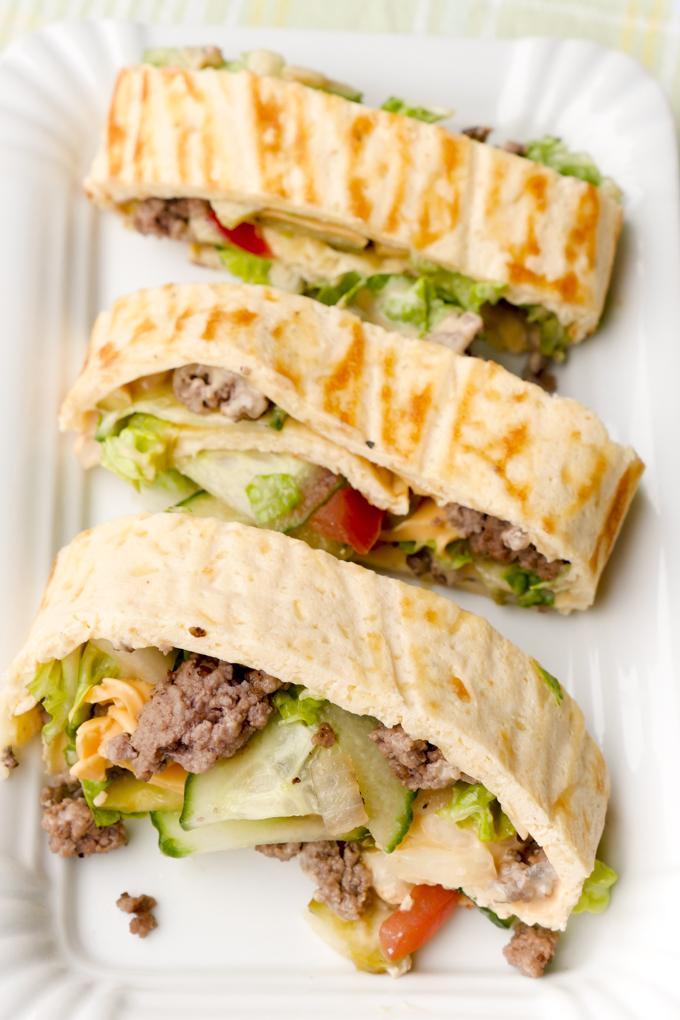 Super leckere und gesunde Big Mac Rolle mit frischen Zutaten