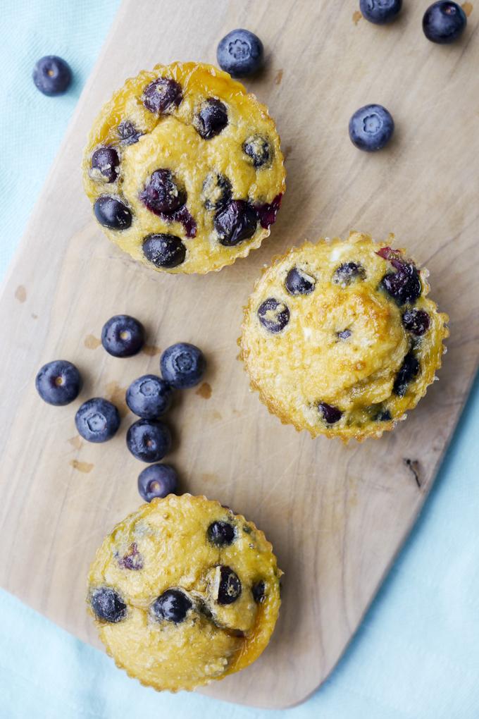 Gesunde Muffins für Kinder mit Heidelbeeren und Kokosraspeln