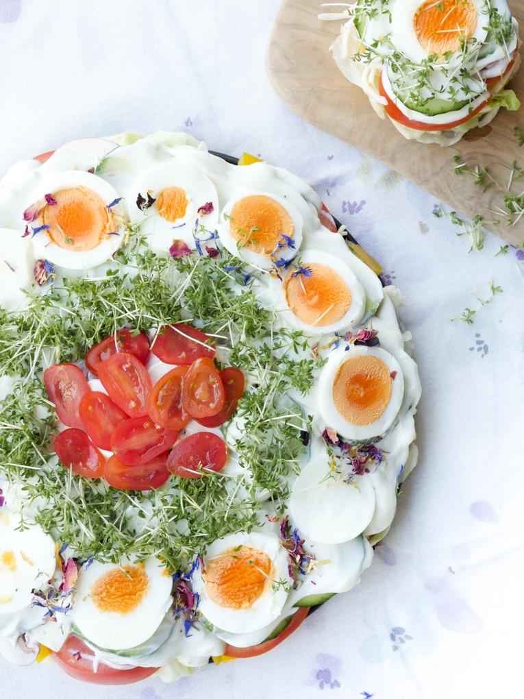 Low Carb Salattorte - ein gesunder Partysalat