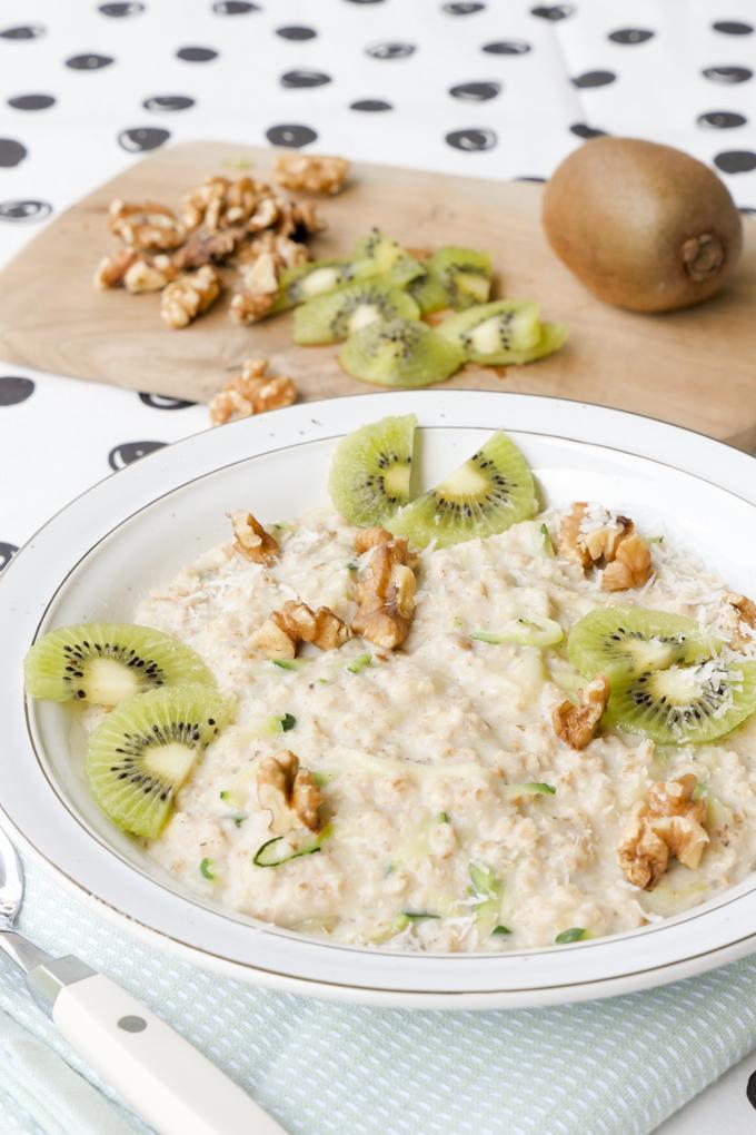 Zucchini Oats - das gesunde Porridge für Gemüsemuffel