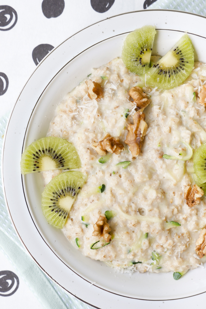 Zoats - Gesundes Zucchini Porridge aus Zucchini und Haferflocken (Oats)