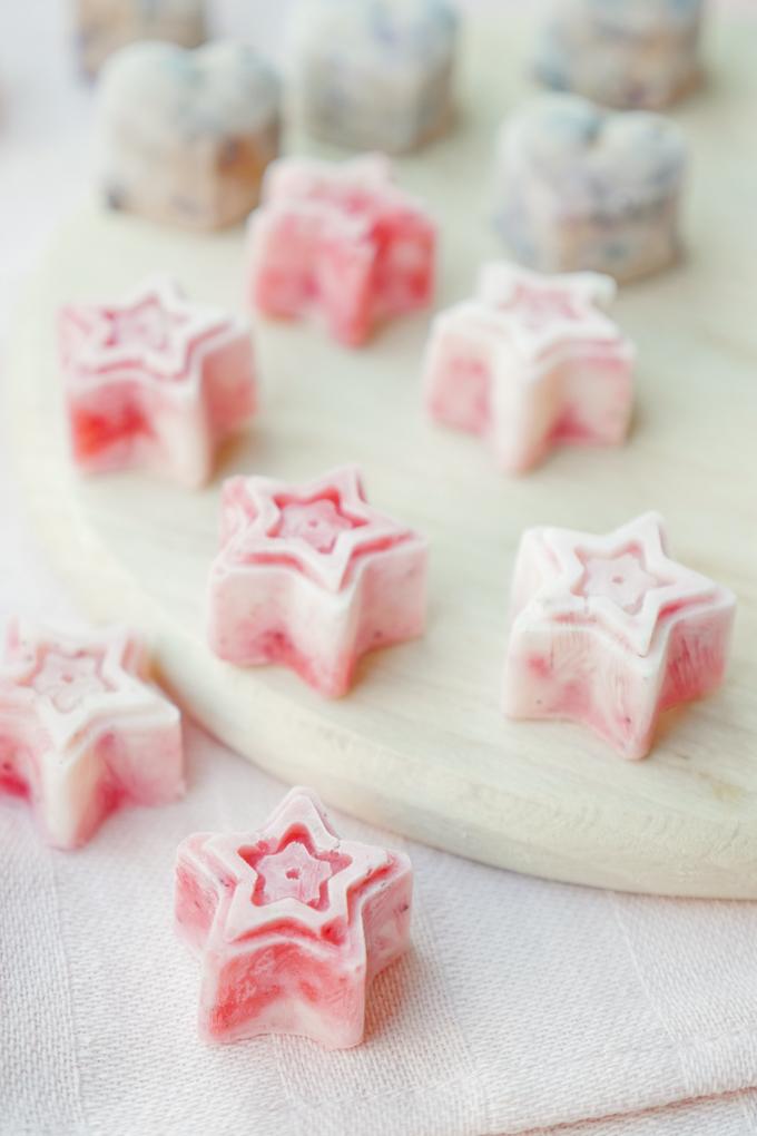Low Carb Frozen Yoghurt Bites mit nur 2 Zutaten