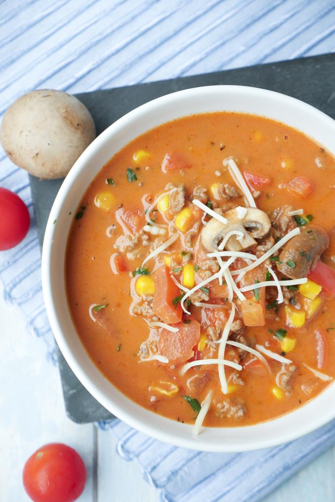 Cremige Pizzasuppe mit Hackfleisch und viel Gemüse für 3 WW SmartPoints - Gaumenfreundin Foodblog #ww #3sp #suppe