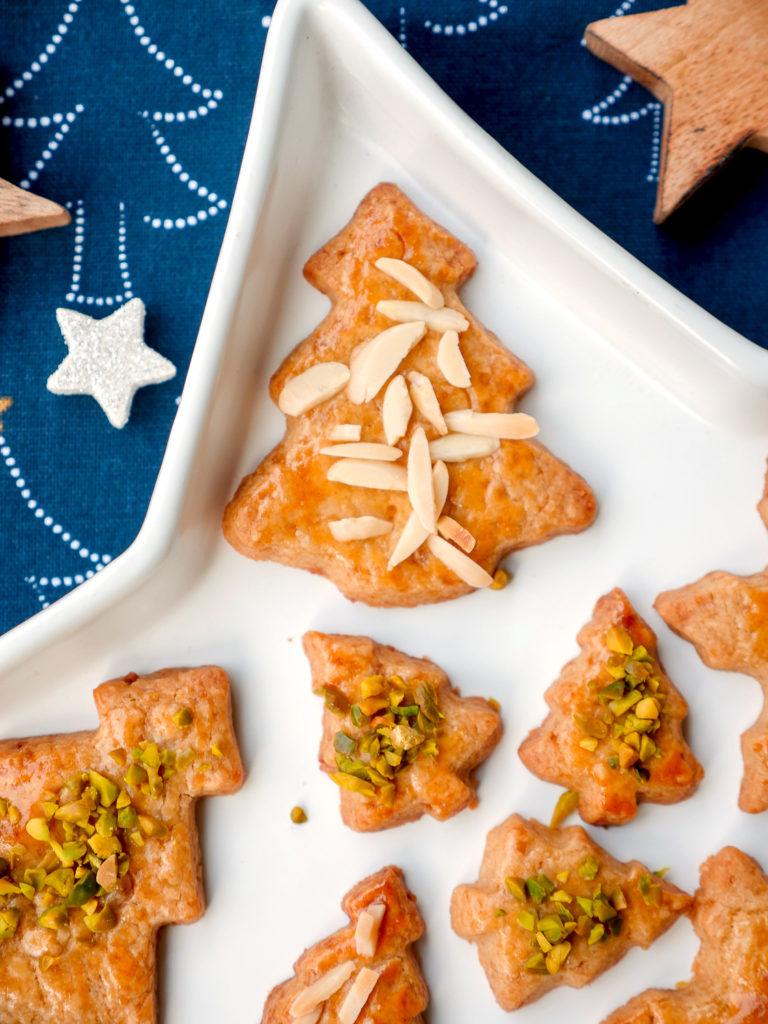 Weihnachtsplätzchen für Kinder mit Dinkelmehl, Apfelsaft und Vollrohrzucker