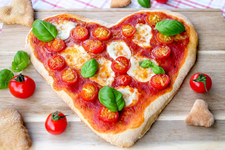 Herzpizza Fur Verliebte Perfekt Zum Valentinstag Oder Muttertag