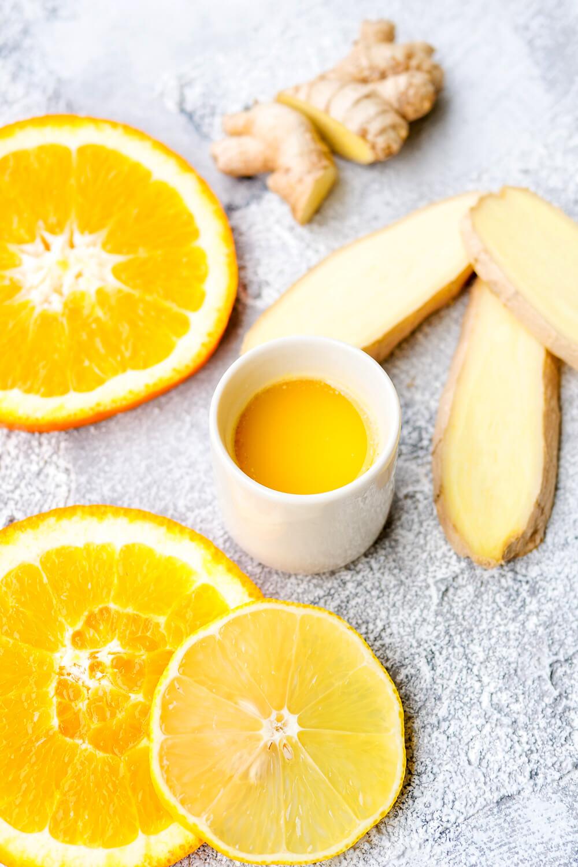 Die Geheimwaffe für eure Abwehrkräfte - Ingwer Shot mit Orangen, Zitrone und Apfel
