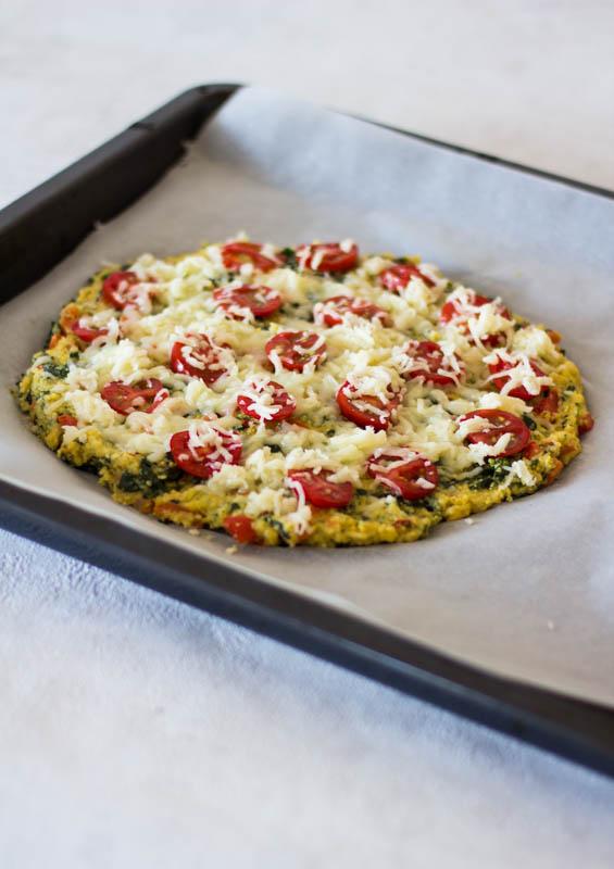Polenta-Pizza mit einem Pizzaboden aus Maisgrieß - ein schnelles und gesundes Kinderrezept