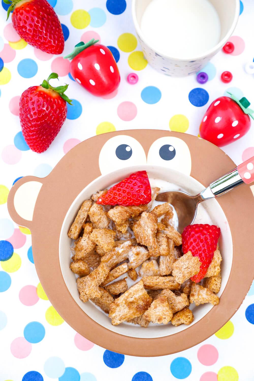 3-Zutaten-Rezept für gesündere Cini Minis - Knusperflakes mit Zimt und Ahornsirup für das schnelle Kinderfrühstück