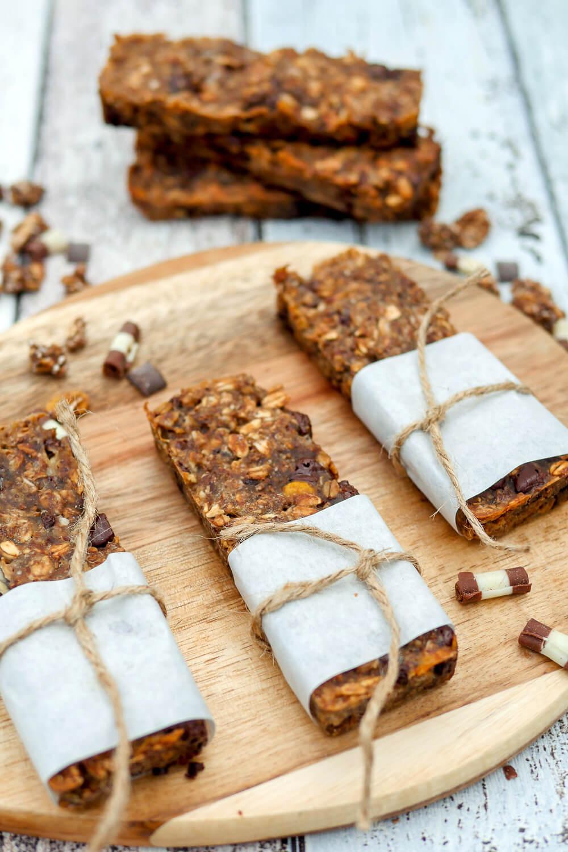 Schnelle Müsliriegel mit Schokomüsli und Apfelmark - ein toller Snack für die ganze Familie und so wunderbar schokoladig