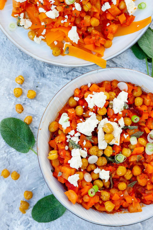 Vegetarische Gemüse-Bolognese mit gebackenen Kichererbsen, Kohlrabi und Möhren - ein einfaches Rezept mit vielen gesunden Zutaten