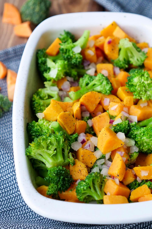 Süßkartoffelauflauf mit Brokkoli - ein gesundes Kinderrezept, für das ihr nur 4 Zutaten braucht
