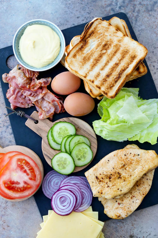 Zutaten für ein schnelles und einfaches Club Sandwich - Fix auf dem Tisch