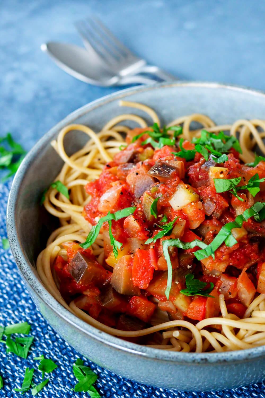 Tomatensauce mit Aubergine und Paprika - ein 0-Smartpoint-Rezept aus der WW-App