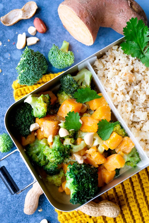 Meal Prep für deine Mittagspause - Super einfaches und genial leckeres Süßkartoffel-Curry