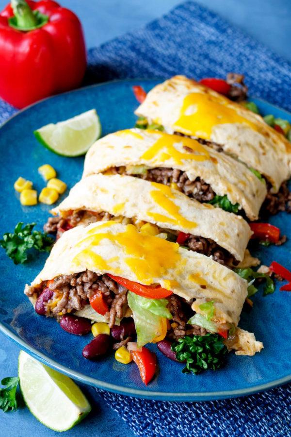 Mexikanische Low Carb Rolle mit Hackfleisch, Salsa und Kidneybohnen
