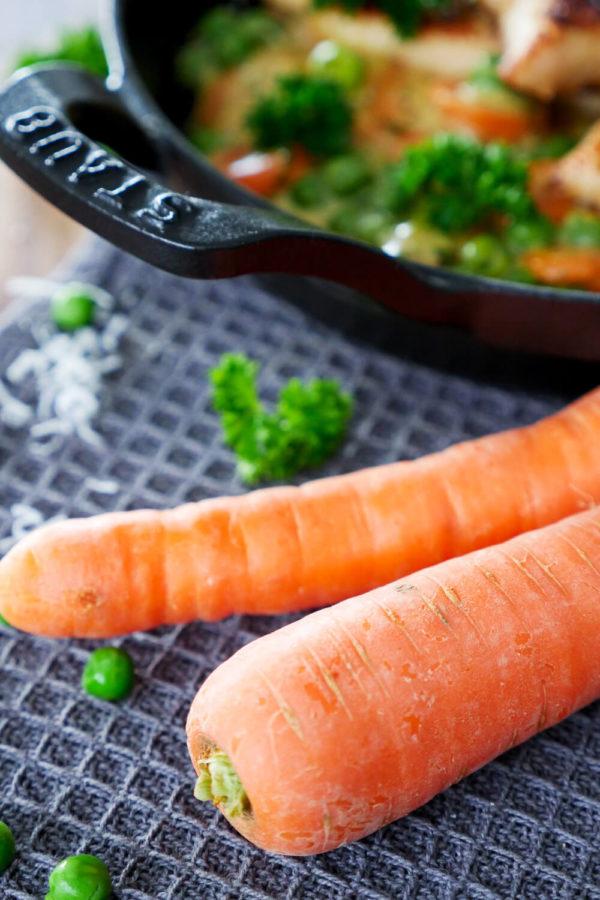 Möhren / Karotten, für meine Hähnchenpfanne mit Erbsen-Möhren-Gemüse
