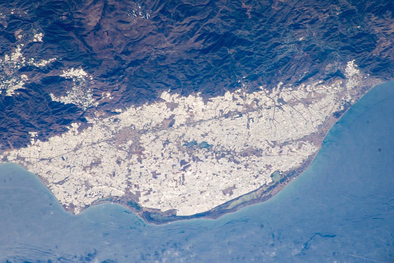 Satellitenbild des weltgrößten Gemüseanbaugebiets